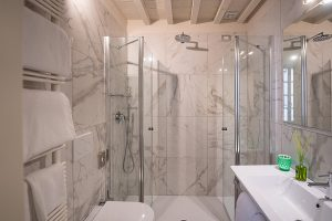 doccia battipalla B&B Firenze Canto degli Aranci